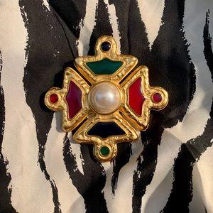 Jewelry - EXQUISITE VINTAGE MALTESE CROSS PIN